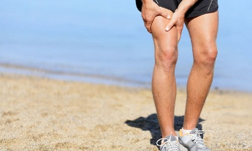 6 Walking Tips That Can Help Ease Knee Pain