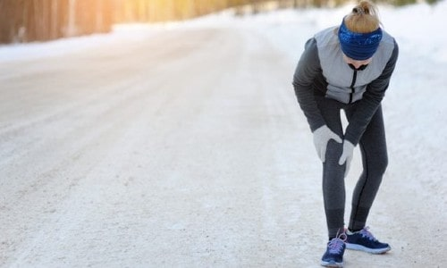 HOW DOES COLD WEATHER AFFECT MY KNEE INJURY?